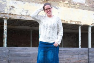 beiger Pullover für die 12 Colours of Handmade Fashion